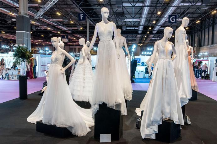 maniquis con vestidos de novia