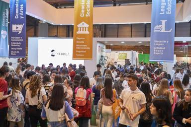 Aspecto stand universidad española