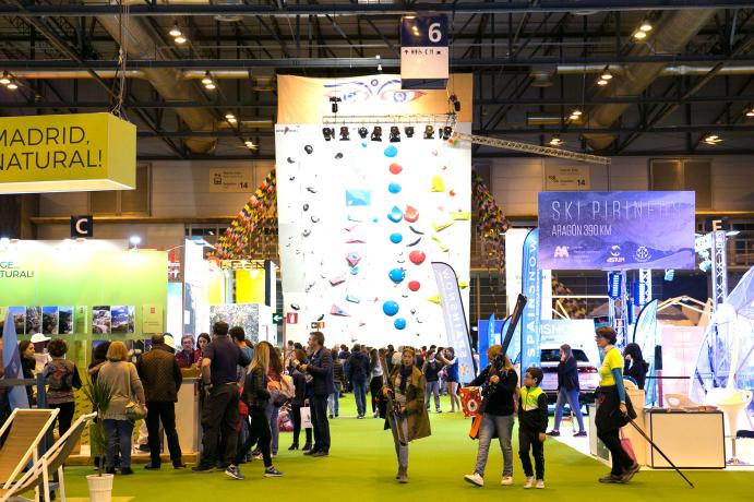 Visitors and professionals at the expotural fair