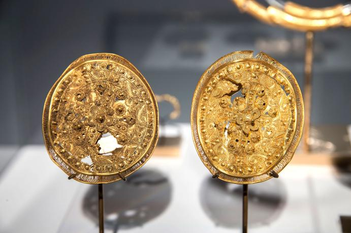 Pendientes de oro antiguos