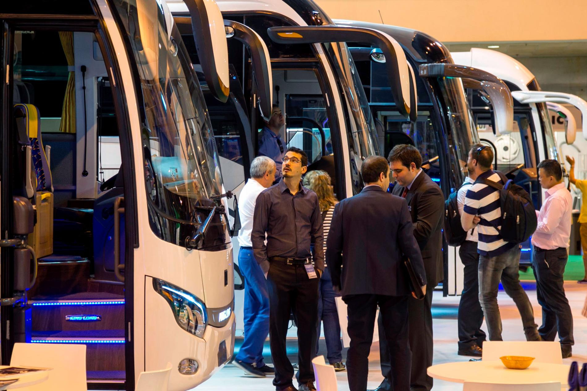 Autobuses en FIAA