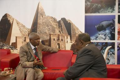 Two African professionals meet at FITUR