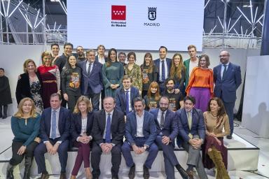 Imagen con todas las autoridades participantes en el Dia de Madrid en FITUR