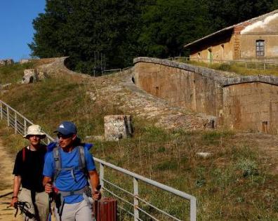 Turistas por el Camino de Santiago en Castilla y León
