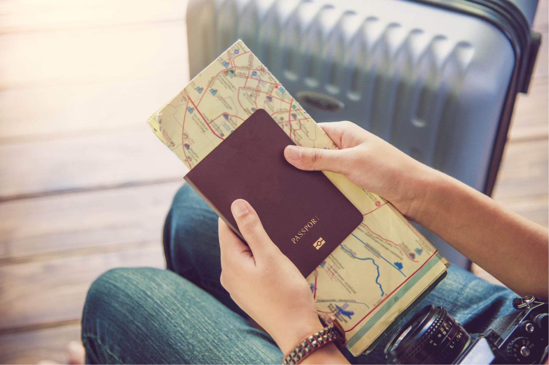 Pasaporte y plano de viaje en Fitur de IFEMA