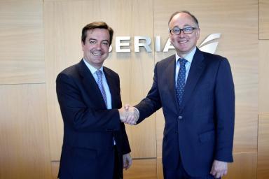 El director general de IFEMA, Eduardo López-Puertas, y el presidente de Iberia, Luis Gallego