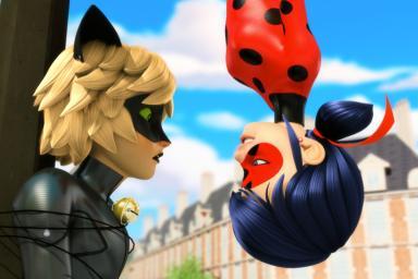 Ladybug y Cat Noir cobra vida en este musical.