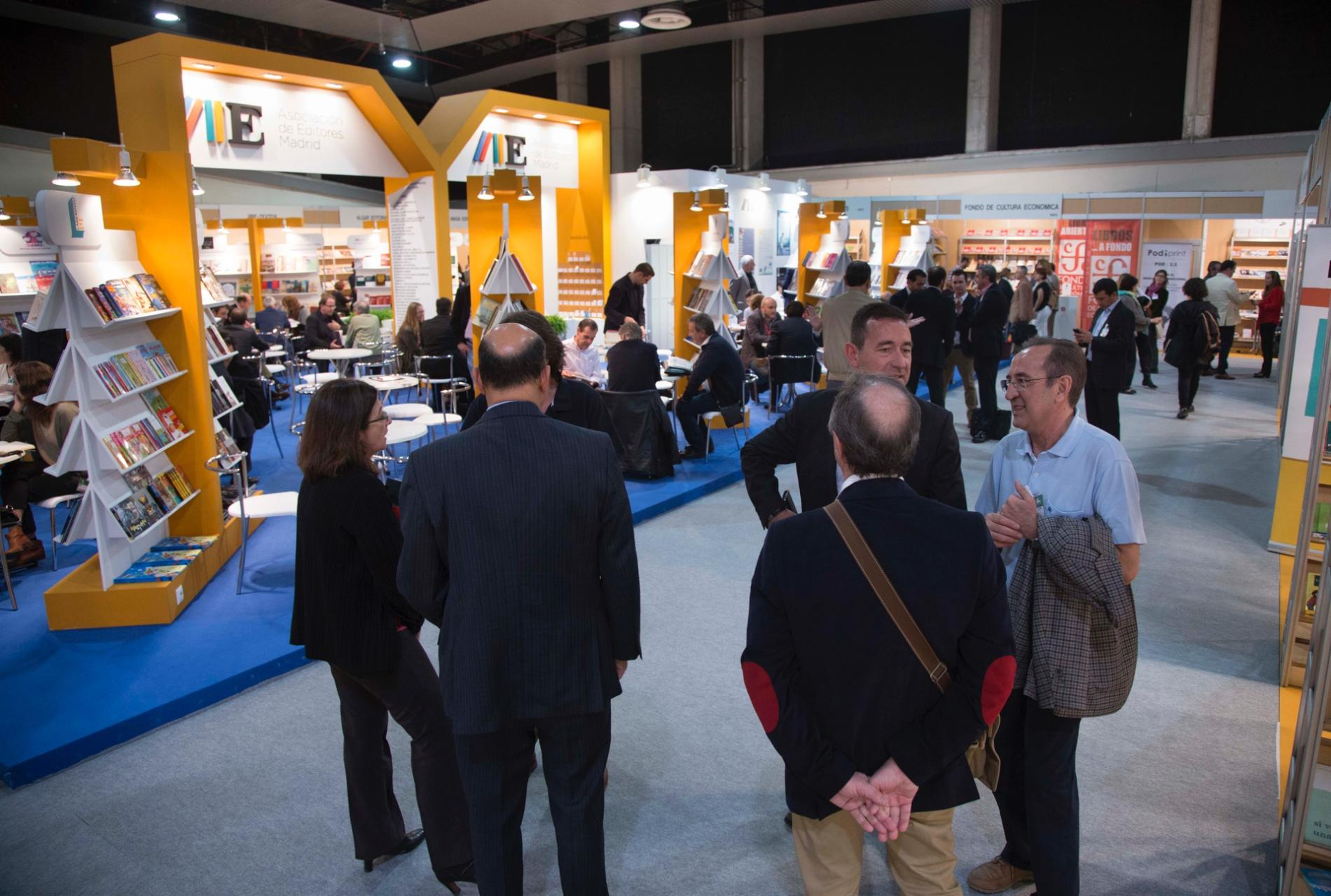 general view of stands and exhibitors of Liber