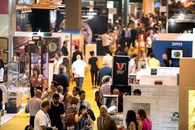 Feria con gran número de visitantes