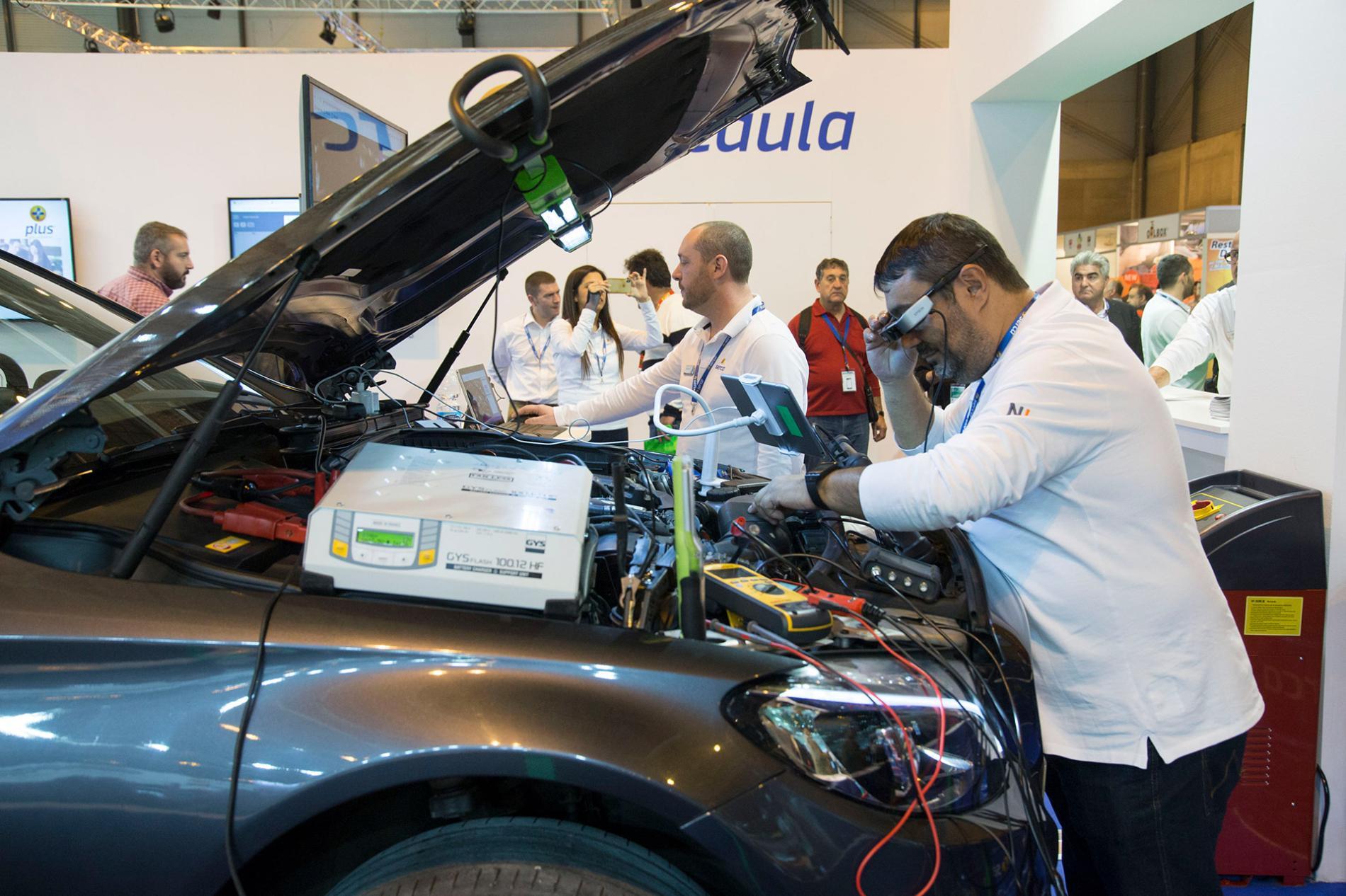 Aplicación de las nuevas tecnologías en la revisión de vehículos en Motortec