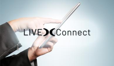 Manos señalando una pantalla de portátil con el logo de Live Connect