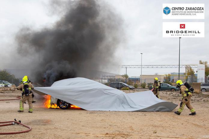 Centro Zaragoza ensaya y distribuye mantas ignífugas para extinguir incendi