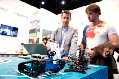 Robots en Simo Educación