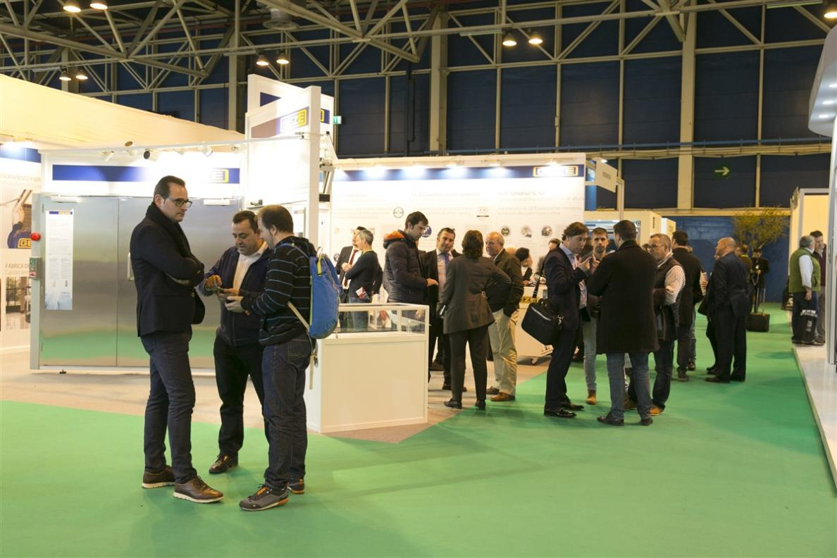 SMARTDOORS visitors and exhibitors