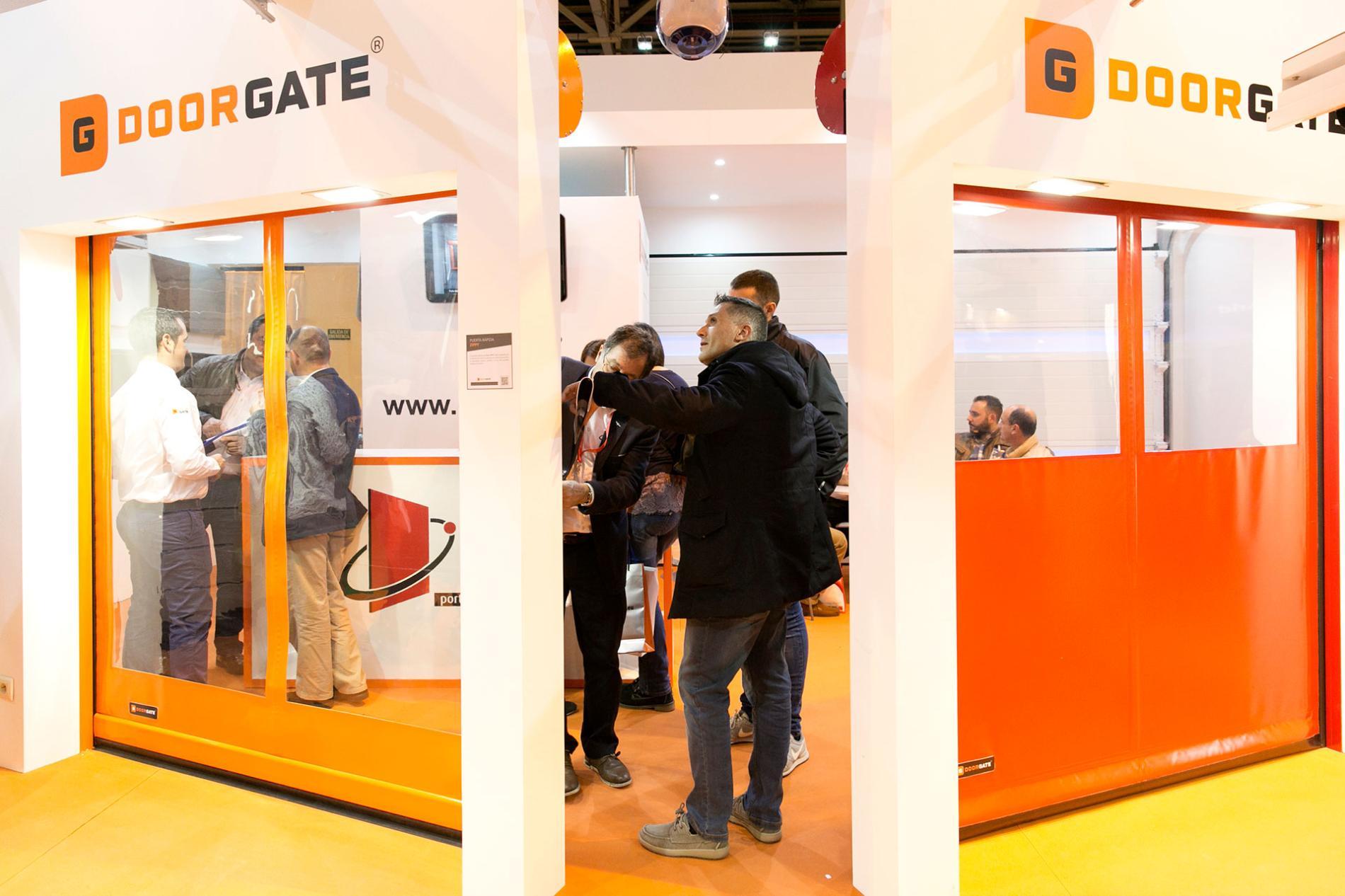 Smartdoors new international lounge doors and automations