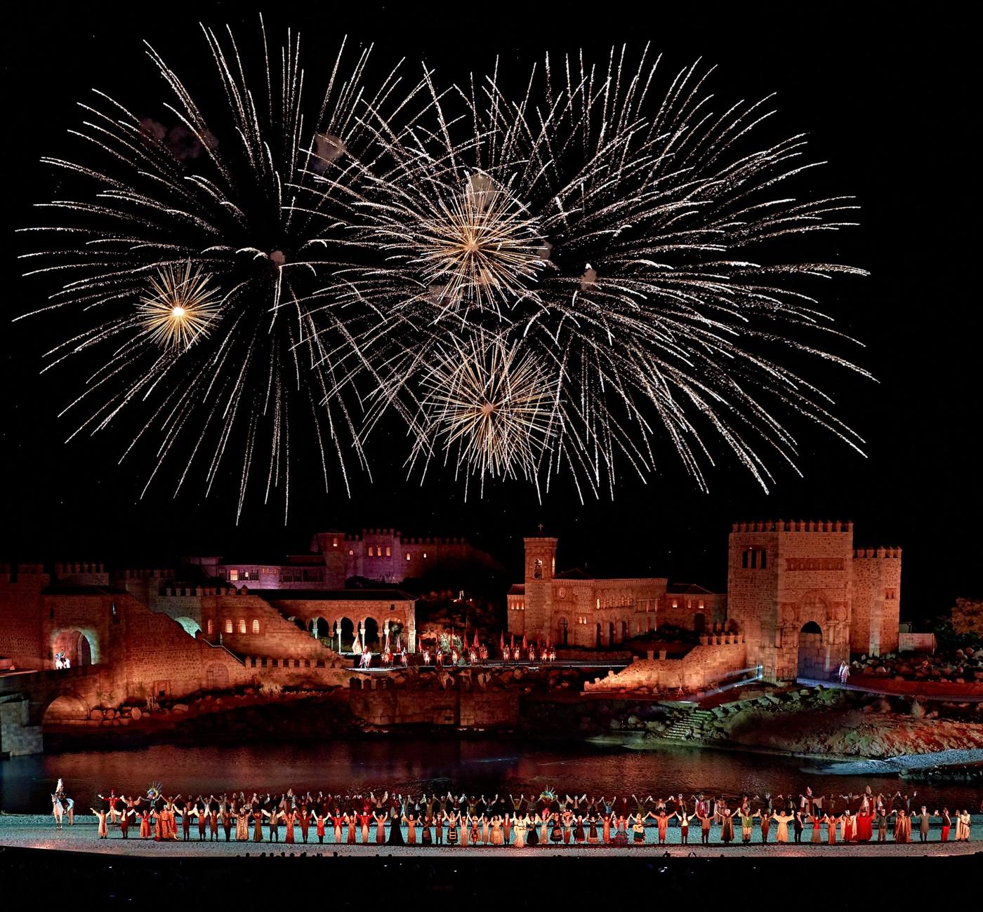 Escenario nocturno Puy du Fou España