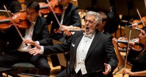 Plácido Domingo vuelve a cantar en España